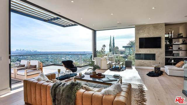 8428 Carlton Way, Los Angeles (City), CA 90069 (#20555380) :: TruLine Realty