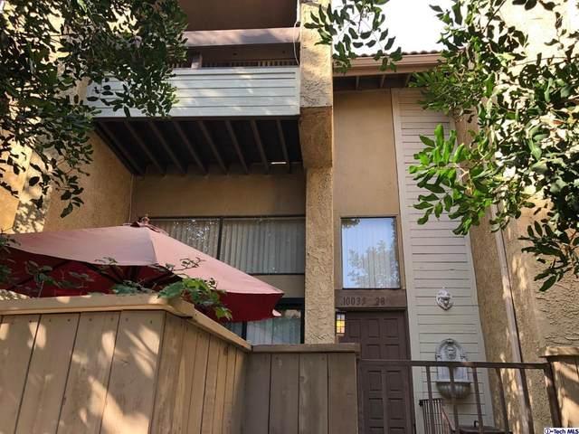10035 Topanga Canyon Boulevard #28, Chatsworth, CA 91311 (#320000585) :: TruLine Realty