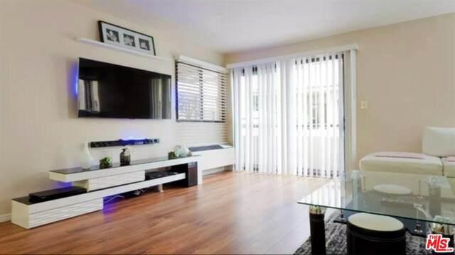 435 S Virgil Avenue #230, Los Angeles (City), CA 90020 (MLS #20555638) :: Deirdre Coit and Associates