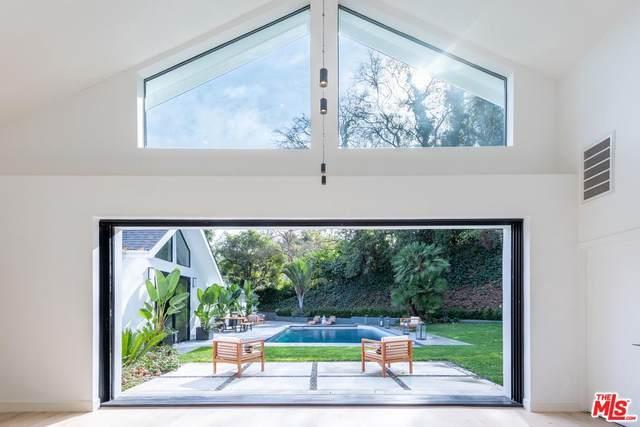 2511 Benedict Canyon Drive, Beverly Hills, CA 90210 (#20556482) :: The Pratt Group