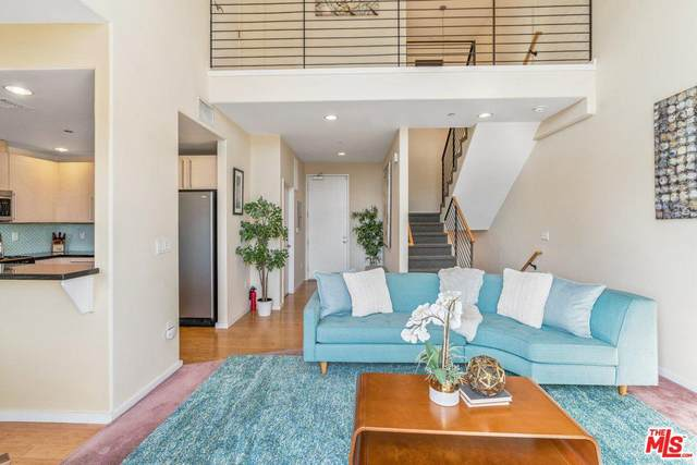 5227 Denny Avenue #310, North Hollywood, CA 91601 (#20556472) :: Randy Plaice and Associates