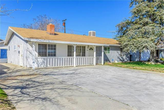 3135 Glendower Street, Rosamond, CA 93560 (#SR20038391) :: Randy Plaice and Associates