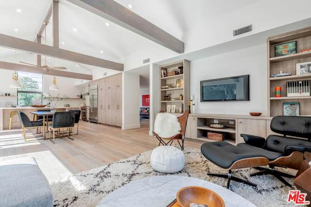 10810 Cushdon Avenue, Los Angeles (City), CA 90064 (#20554742) :: The Parsons Team