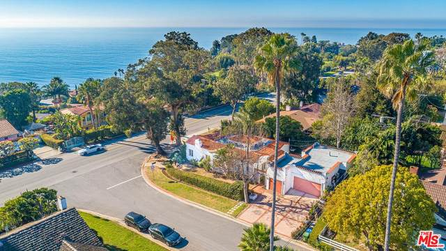 16901 W Sunset, Pacific Palisades, CA 90272 (#20557336) :: The Suarez Team