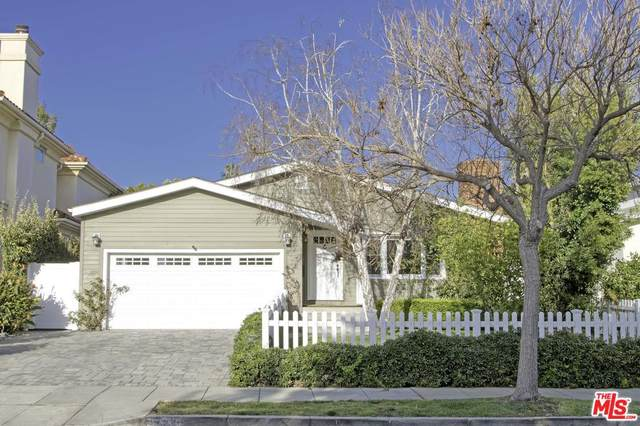 827 22ND St, Santa Monica, CA 90403 (MLS #20-557802) :: The Sandi Phillips Team