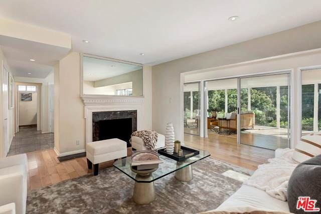 10370 Northvale Rd, Los Angeles, CA 90064 (#20-555568) :: The Pratt Group