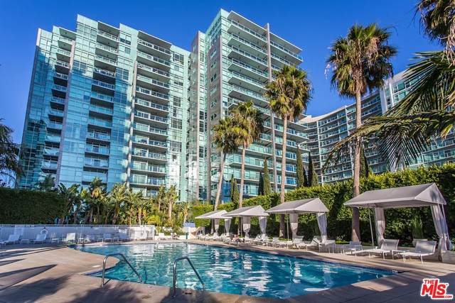 13700 Marina Pointe Dr #1126, Marina Del Rey, CA 90292 (MLS #20-563738) :: Mark Wise | Bennion Deville Homes