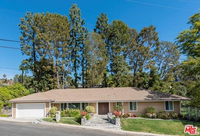 16905 Bosque Drive, Encino, CA 91436 (#20567358) :: Randy Plaice and Associates