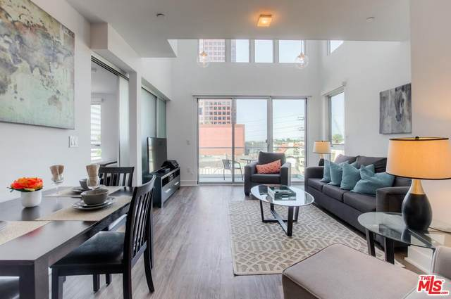 1168 S Barrington Avenue #513, Los Angeles (City), CA 90049 (MLS #20567536) :: Mark Wise | Bennion Deville Homes