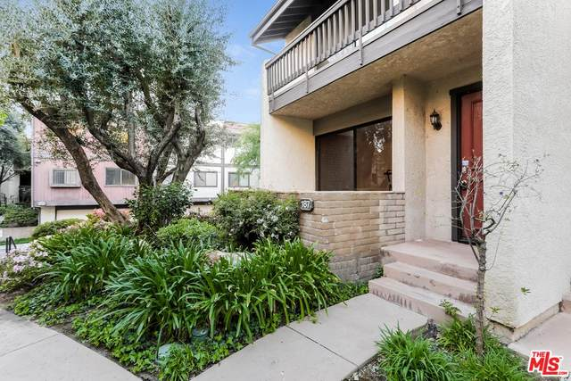 21901 Burbank #187, Woodland Hills, CA 91367 (MLS #20558230) :: Deirdre Coit and Associates