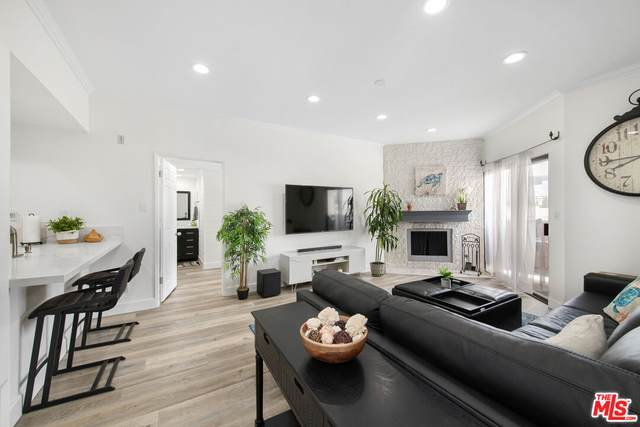 1665 Federal Ave #302, Los Angeles, CA 90025 (MLS #21-777810) :: The John Jay Group - Bennion Deville Homes