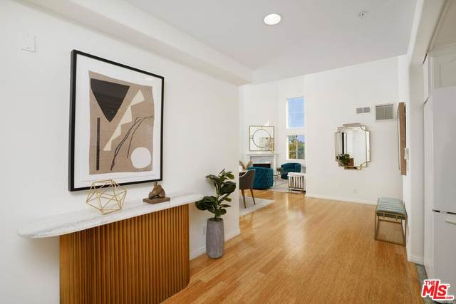 1537 S Wooster St #202, Los Angeles, CA 90035 (#21-779178) :: TruLine Realty
