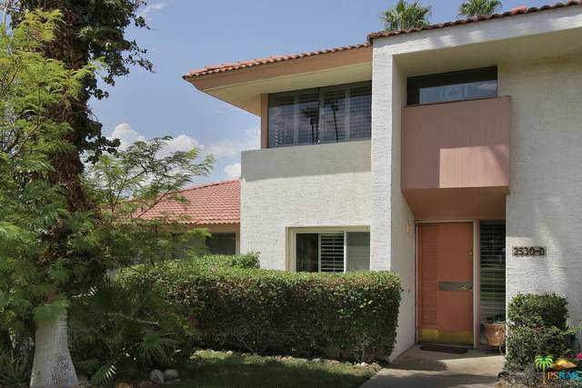 2530 N Whitewater Club Dr D, Palm Springs, CA 92262 (MLS #21-779870) :: Zwemmer Realty Group