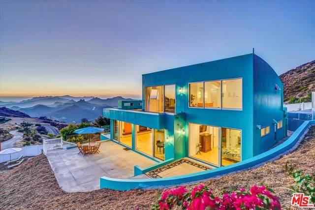 940 Latigo Canyon Rd, Malibu, CA 90265 (MLS #21-780638) :: Zwemmer Realty Group