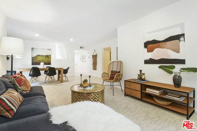 6760 Hillpark Dr #306, Los Angeles, CA 90068 (MLS #21-780730) :: Mark Wise | Bennion Deville Homes