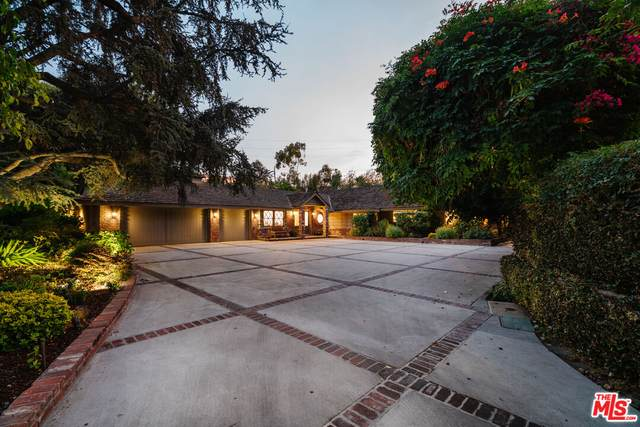 23 Toluca Estates Dr, Toluca Lake, CA 91602 (#21-780856) :: Lydia Gable Realty Group