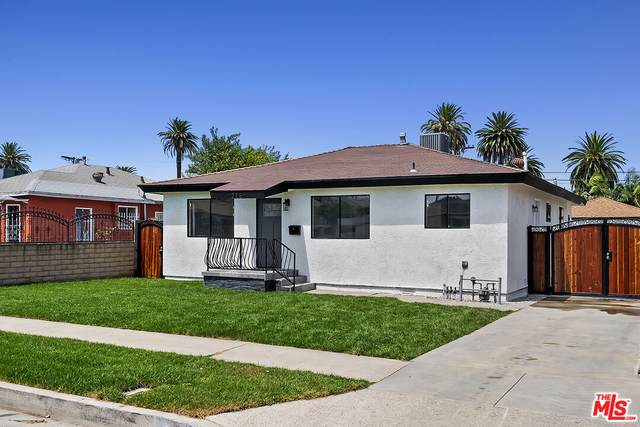 215 W 120Th St, Los Angeles, CA 90061 (MLS #21-780882) :: Zwemmer Realty Group