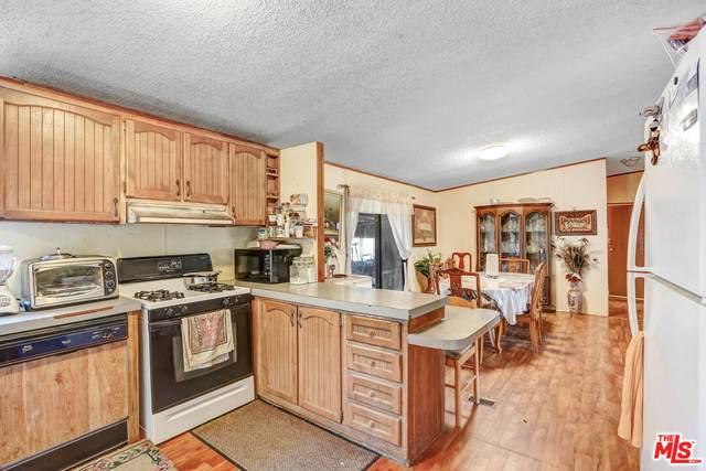1032 Cambria Ave, Landers, CA 92285 (#21-781274) :: Berkshire Hathaway HomeServices California Properties