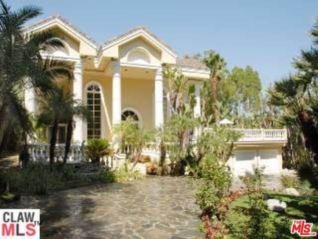 4701 White Oak Ave, Encino, CA 91316 (MLS #21-782832) :: Zwemmer Realty Group
