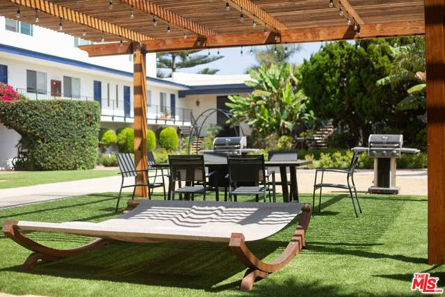 3098 Channel Dr, Ventura, CA 93003 (#21-783196) :: The Bobnes Group Real Estate