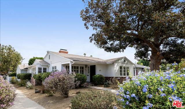 4958 Willow Crest Ave, North Hollywood, CA 91601 (MLS #21-783672) :: Zwemmer Realty Group