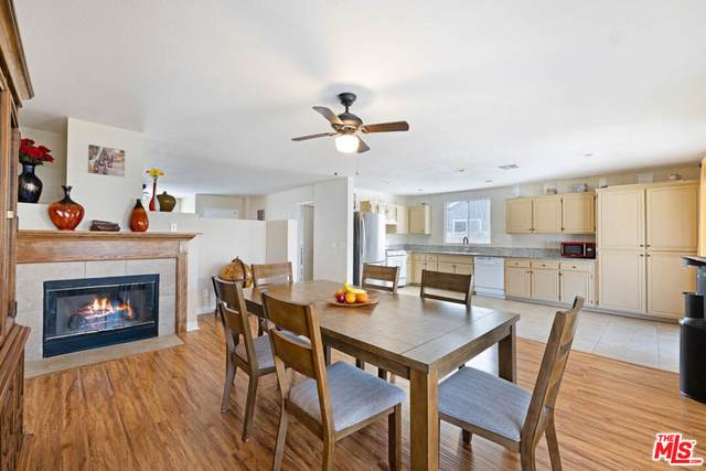 43251 Homestead St, Lancaster, CA 93535 (MLS #21-784752) :: Mark Wise | Bennion Deville Homes