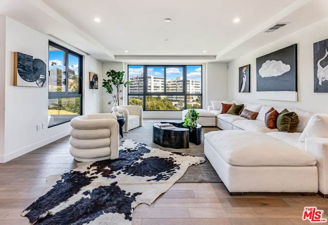 17314 Tramonto Dr #801, Pacific Palisades, CA 90272 (#21-784798) :: The Grillo Group