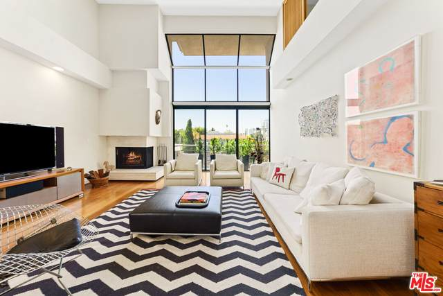 1520 S Beverly Glen Blvd #301, Los Angeles, CA 90024 (#21-784838) :: Lydia Gable Realty Group