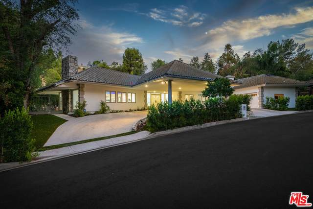 4900 Queen Victoria Rd, Woodland Hills, CA 91364 (#21-784842) :: Lydia Gable Realty Group