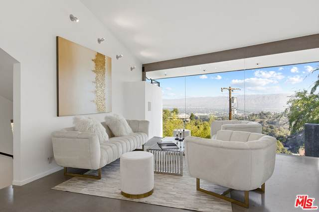 7312 Caverna Dr, Los Angeles, CA 90068 (#21-784858) :: The Grillo Group