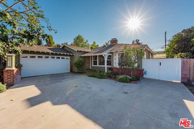 6933 Columbus Ave, Van Nuys, CA 91405 (#21-784912) :: Montemayor & Associates