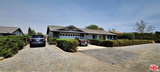 18036 Symeron Rd, Apple Valley, CA 92307 (MLS #21-785500) :: The Jelmberg Team