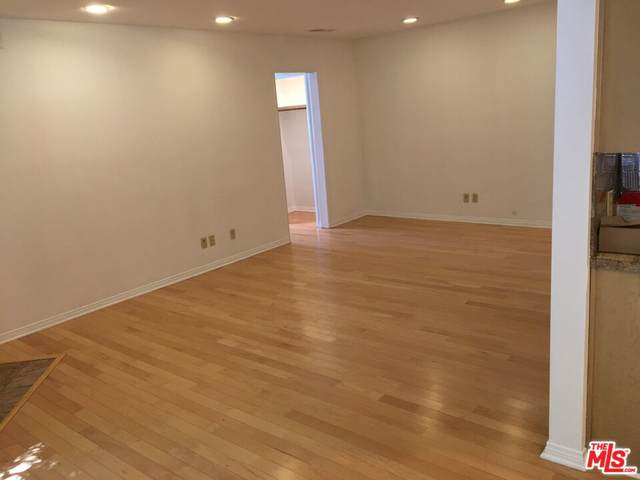 1807 Camden Ave #6, Los Angeles, CA 90025 (MLS #21-785752) :: Zwemmer Realty Group