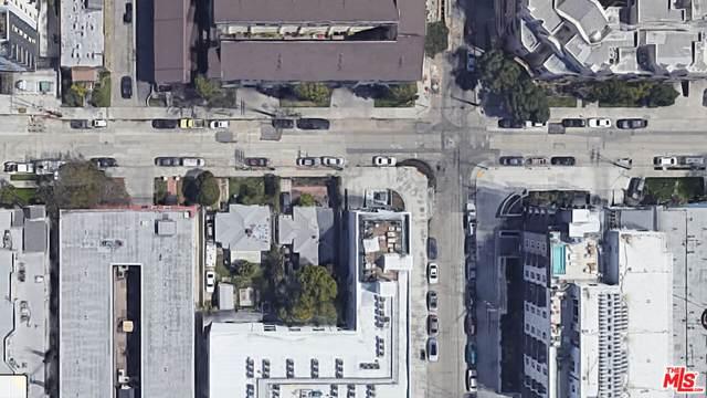 5109 Klump Ave, North Hollywood, CA 91601 (#21-786956) :: The Pratt Group