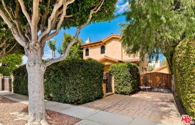 8847 Rosewood Ave, West Hollywood, CA 90048 (#21-786988) :: The Suarez Team