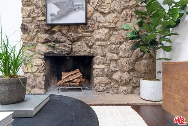 23027 Gainford St, Woodland Hills, CA 91364 (MLS #21-787182) :: Mark Wise | Bennion Deville Homes