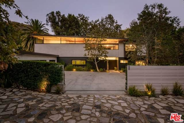 2496 Mandeville Canyon Rd, Los Angeles, CA 90049 (#21-787192) :: The Grillo Group