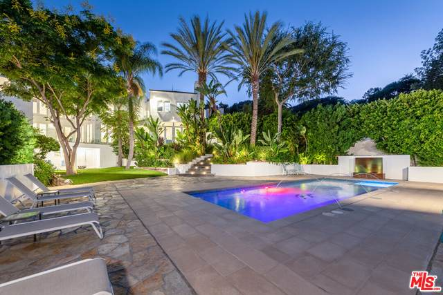 7759 Torreyson Dr, West Hollywood, CA 90046 (#21-787296) :: The Grillo Group