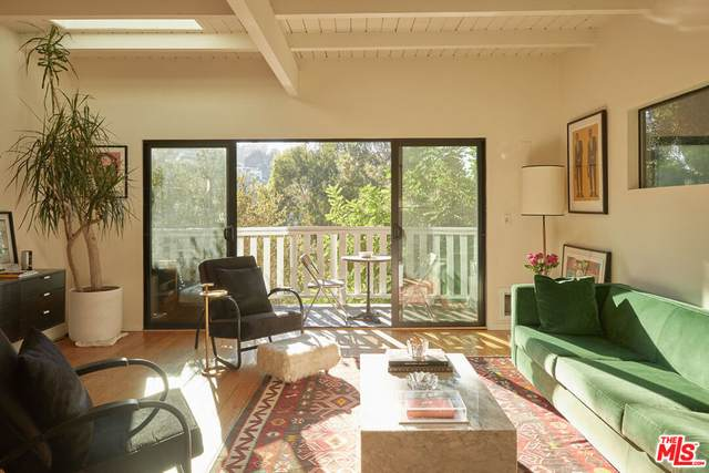 7205 Sycamore Trl, Los Angeles, CA 90068 (#21-787366) :: The Grillo Group