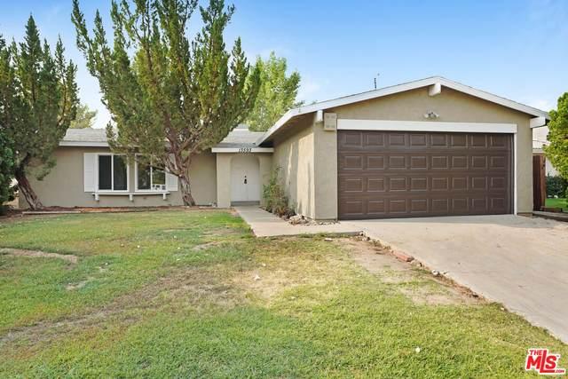13593 Oakmont Dr, Victorville, CA 92395 (#21-788320) :: The Bobnes Group Real Estate