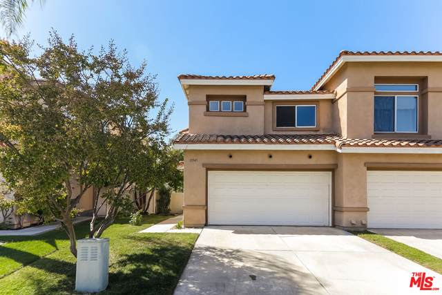 19545 Highridge Way, Lake Forest, CA 92679 (MLS #21-790550) :: Zwemmer Realty Group