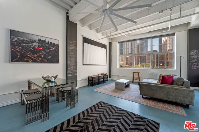 312 W 5Th St #402, Los Angeles, CA 90013 (#21-790604) :: The Bobnes Group Real Estate