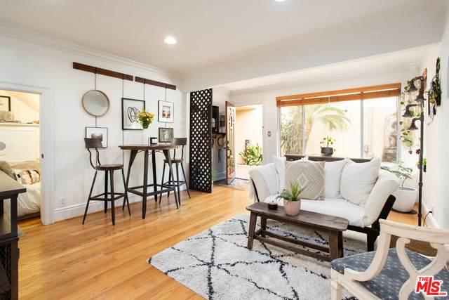 14934 Dickens St #4, Sherman Oaks, CA 91403 (#21-792380) :: The Bobnes Group Real Estate