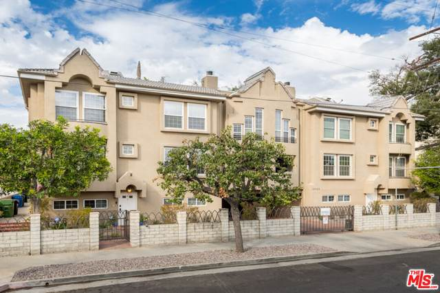 10929 Landale St #1, North Hollywood, CA 91602 (MLS #21-792758) :: Zwemmer Realty Group