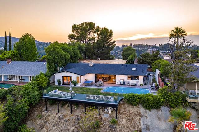 15517 Briarwood Dr, Sherman Oaks, CA 91403 (#21-793406) :: Randy Plaice and Associates