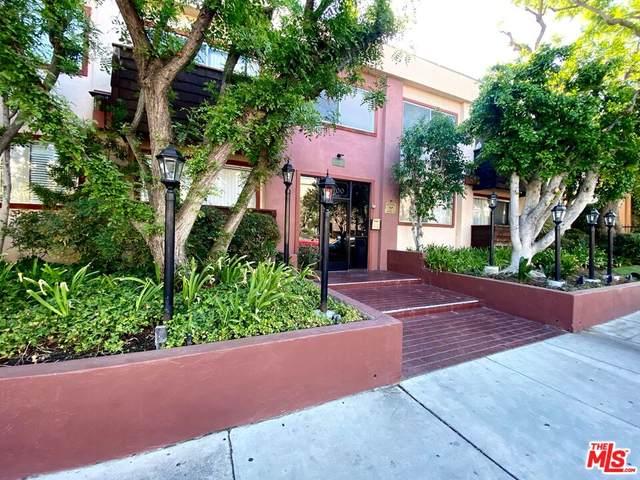 5400 N Newcastle Ave #21, Encino, CA 91316 (#21-794090) :: Berkshire Hathaway HomeServices California Properties
