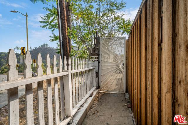 141 S Avenue 64, Los Angeles, CA 90042 (#21-794250) :: The Bobnes Group Real Estate