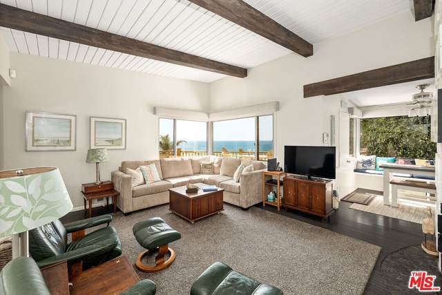 132 Waterview St, Playa Del Rey, CA 90293 (#21-794390) :: The Bobnes Group Real Estate