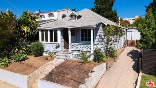4121 Clayton Ave, Los Angeles, CA 90027 (#21-794400) :: TruLine Realty