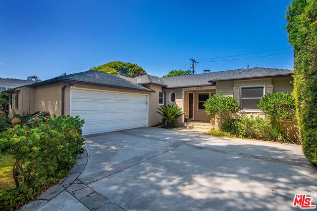 2107 Castle Heights Ave, Los Angeles, CA 90034 (#21-794812) :: The Bobnes Group Real Estate